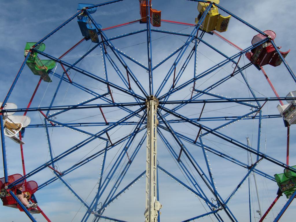 Balboa Fun Zone Ferris Wheel In Newport Beach California