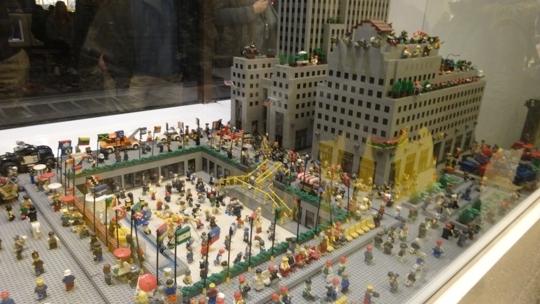 LEGO Store - Rockefeller Center in New York (Manhattan), NY - Parent ...