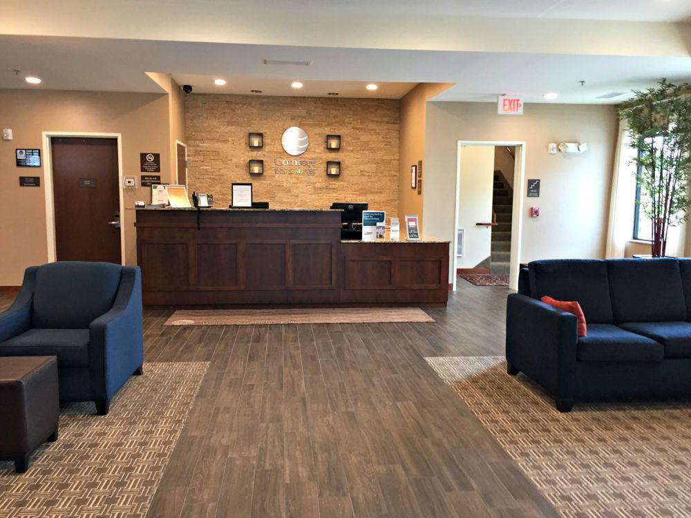 Comfort Inn Suites Sioux Falls In Sioux Falls Sd Kid Friendly