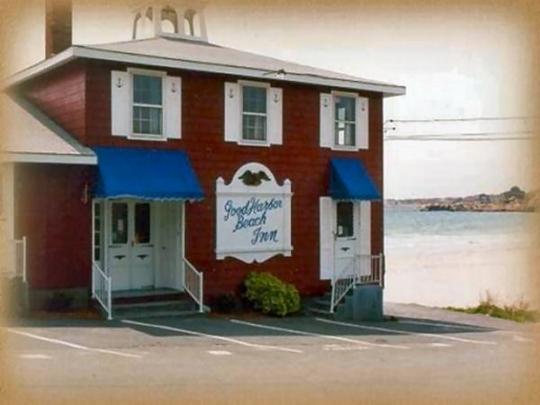 Good Harbor Beach Inn Gloucester Machusetts