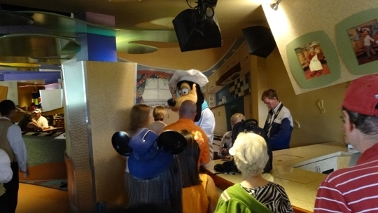 Goofy 39 S Kitchen At The Disneyland Hotel Anaheim Ca Kid Friendl Trekaroo