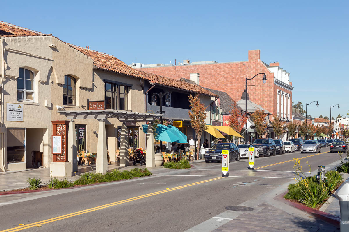 Burlingame is one of the fortunate communities in the Bay Area that has just about everything you need. Burlingame Avenue has become one of the premier shopping districts in the area. From high end specialty shops to small boutiques, you will fulfill all your fashion desires here.