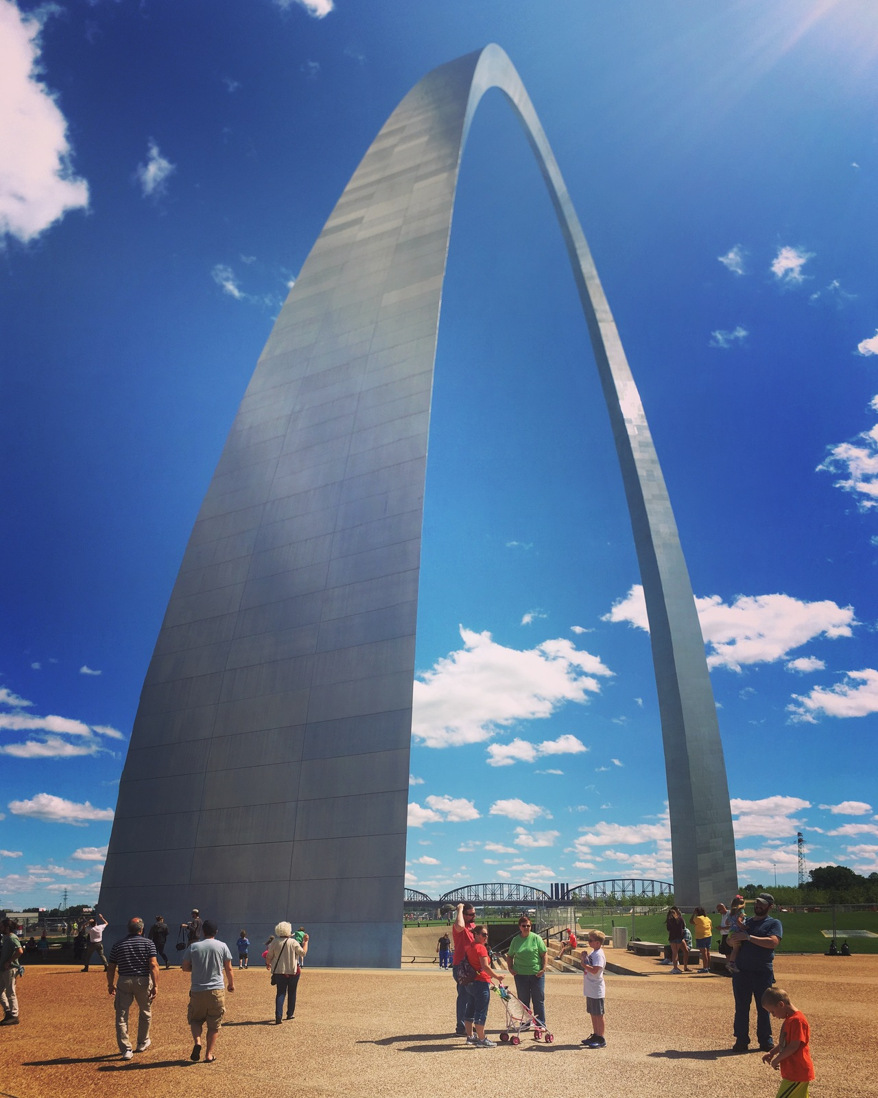 an introduction to the history of the gateway arch In his introduction campbell posits that the arch    represents a significant  that history, he suggests, remains vital to under-  there was the gateway.