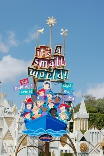 It S A Small World Disneyland Anaheim Ca Kid