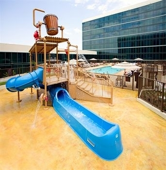 Hotels with the Best Pools Near Disneyland - Trekaroo